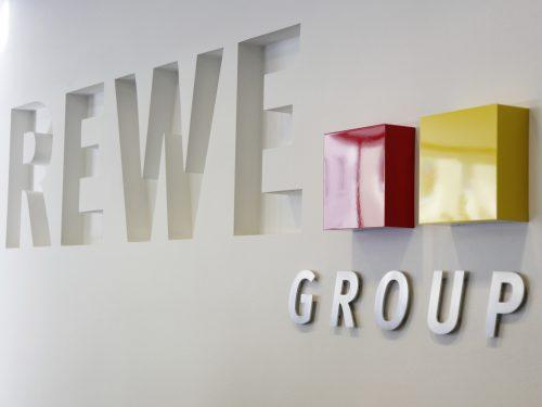 Alain Caparros a giugno lascerà l'incarico di CEO di Rewe Group: sarà sostituito da Lionel Souque.