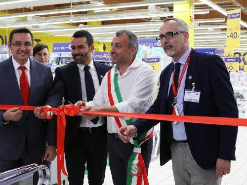 """CARREFOUR ITALIA LANCIA IL PRIMO FORMATO """"OUTLET"""" IN ITALIA A CALENZANO (FI)"""