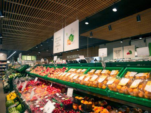 Il nuovo layout dei punti di vendita PAM promette qualità e assortimento