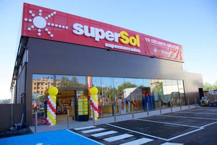 Carrefour rafforza la sua posizione in Spagna con l'acquisizione di 172 minimarket e supermercati
